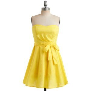 MODCLOTH Yellow Strapless Sweetheart Bow Dress